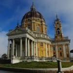 La basilica de Superga doun soun lu toumbèu de lu nouostre souvran